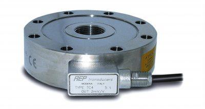 Sensor de fuerza para ensayos a tracción y compresión con formato típico pancake. Rangos desde 2.5kN hasta 5MN. Protección IP67 acero inox.